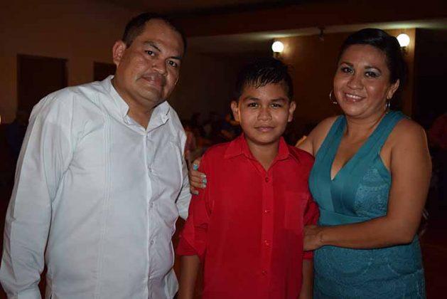 Leopoldo Rivas, Miguel Rivas, Artemisa González.