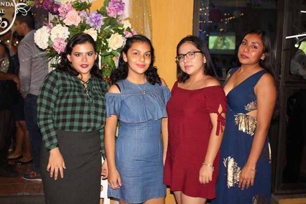 Anahi Toledo, Helen Briseño, Clarissa Briseño, Fabiola Ramos.