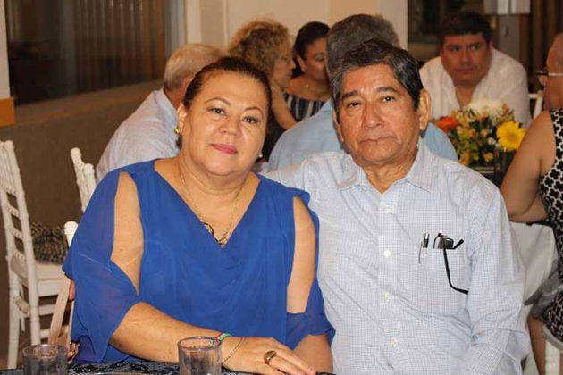 Fernando, María Elena de Pérez.