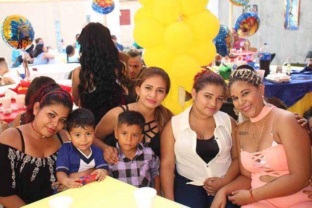 Rixi, Esteban Galo, Cecilia Hernández, Jonathan Hernández, Catalina Recarte.