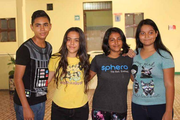 Víctor Martínez, Grethel Contreras, Miranda Mikery, Miel Santiago.