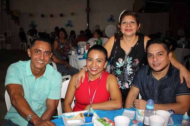 Saúl Barrios, Cinthia Mandujano, Alejandro Nieto, Teresita Regalado.