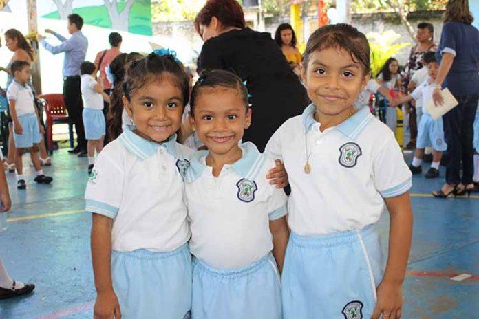 Jerick Reyes, Victoria Álvarez, Dana Sánchez.