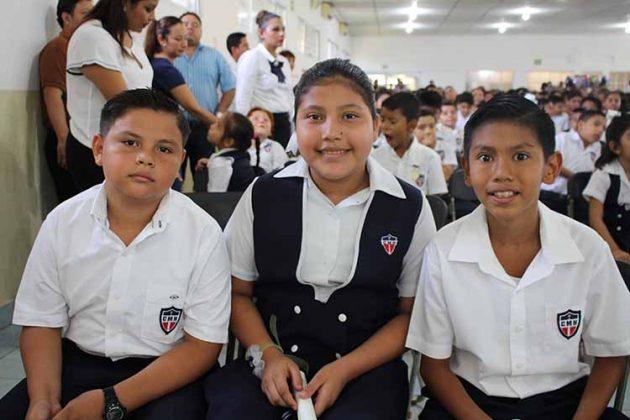Emiliano Keller, Kathia Cruz, Rafael López.