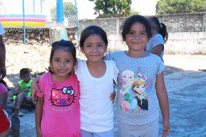 Ana Juárez, Airam Paola, Yurisi Landa.
