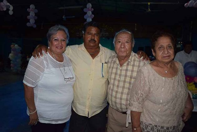 Lucía de Muñoz, Daniel Muñoz, Santos, Dalia Arellano.