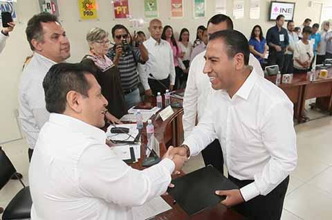 Recibe Eduardo Ramírez Constancia de Mayoría Como Senador Electo
