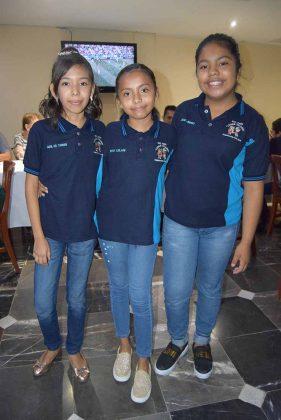 Abril Reyes, Brisa Hernández, Valeria Salazar.