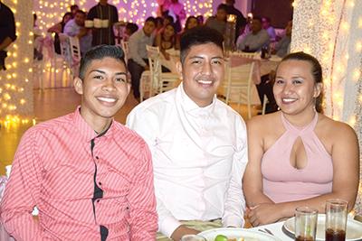 Daniela Luna, Luis Reyes, Gabriela Ibarra.