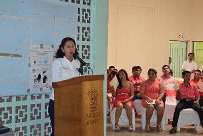 Representando a la Coordinación Regional, María Isabel Pinot Villagrán, fue la encargada de clausurar el ciclo escolar 2017-2018.