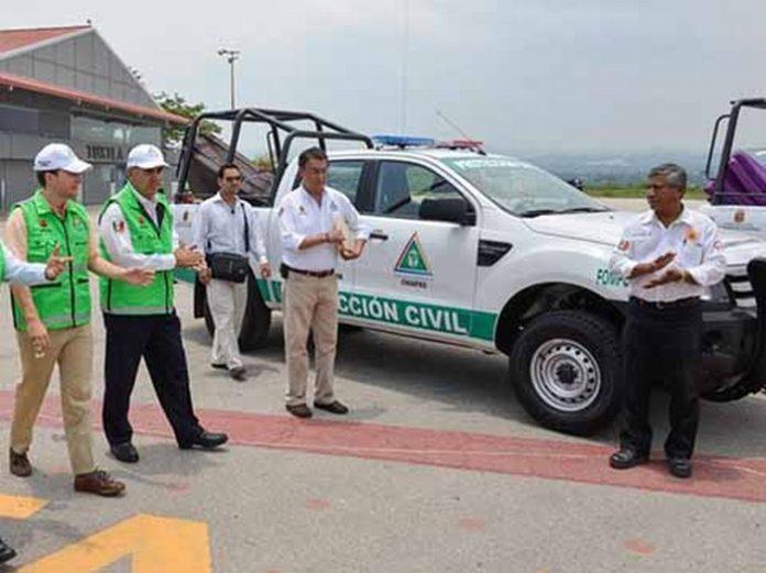 El gobernador Manuel Velasco Coello instruyó reforzar medidas y mantener alerta a los más de seis mil Comités de Prevención y Participación Ciudadana, para que la población chiapaneca que lo requiera, reciba la atención necesaria.