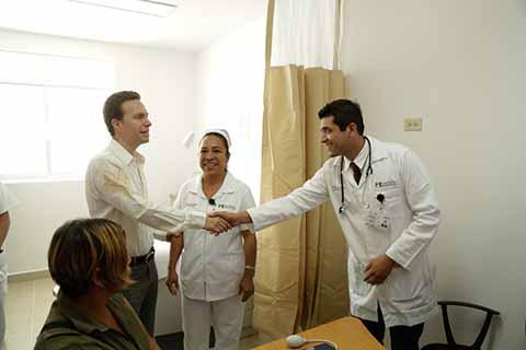 Al inaugurar el nuevo nosocomio que sustituye al anterior que llevaba 40 años en funciones, el Gobernador Velasco cumplió un compromiso pactado en 2012.