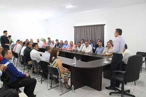 Les hizo un llamado a continuar trabajando en unidad para cumplir las expectativas ciudadanas.