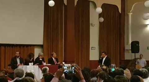 En reunión con Andrés Manuel López Obrador, el gobernador electo de Chiapas Rutilio Escandón, reiteró el compromiso de encabezar un gobierno austero, sin lujos ni privilegios.