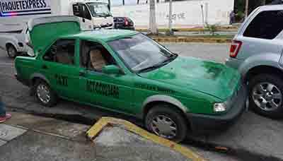 Taxista Chocó por Alcance con una Camioneta