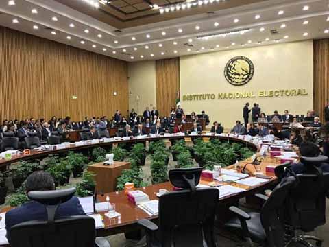 El INE Sanciona al PRI y al PAN por Irregularidades Financieras