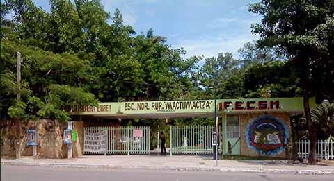 Detienen a Director de Normal Mactumatzá