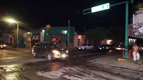 Semáforos Apagados Generan Caos Vehicular y un Fuerte Accidente