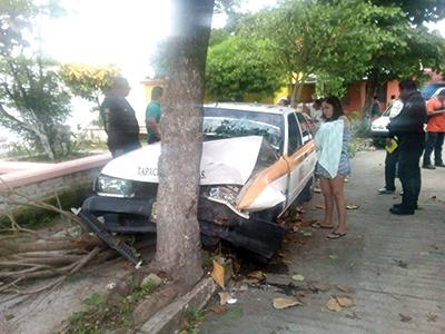 Taxista Chocó Contra un Árbol