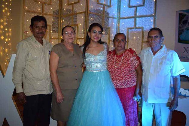 Carlos Pereda, Berta Grajales, Guadalupe Vázquez, Ángel Mendoza.