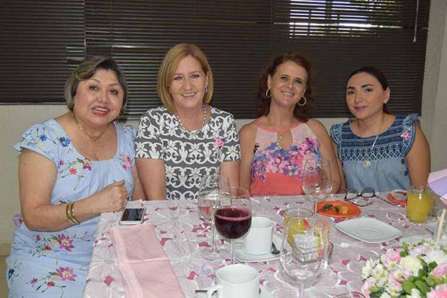 Mirtha de León, Ana Laura de Giesemann, Adriana de Morales, Isabel de Palmer.