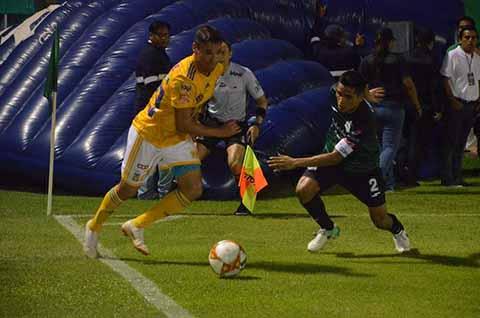 """No han informado del dinero que les entregó la FEMEXFUT, y el estadio """"Manuel Velasco Coello"""" permanece sin mantenimiento."""
