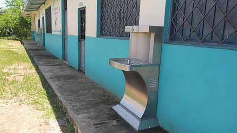 Captan Agua de Lluvia Para Consumo de Alumnos de Telesecundaria