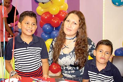 Oner Peñaloza, Wendy Enríquez, Leonardo Peñaloza.