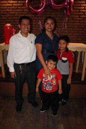 Enrique Ramírez, Lidia Morales, Luis, Santiago Ramírez.