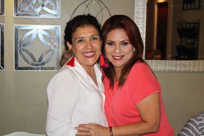 Elizabeth García, Paty Vázquez.