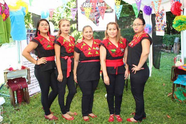 Daniela González, Daniela Murillo, Ingrid Alvarenga, Karina Orellana, Karla Marroquín.