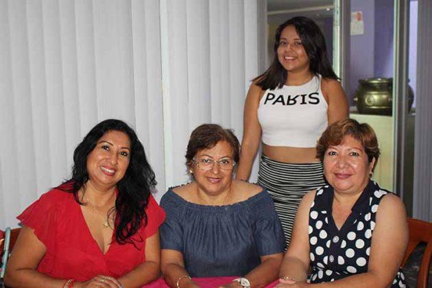 Nely Pérez, Ana Ruiz, Maricruz Wong, Fátima Cruz.