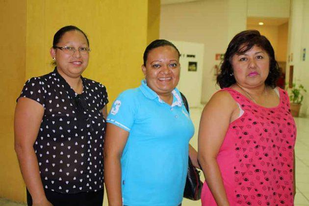 Zoila Orantes, Yadira Hernández, Virginia Ramírez.