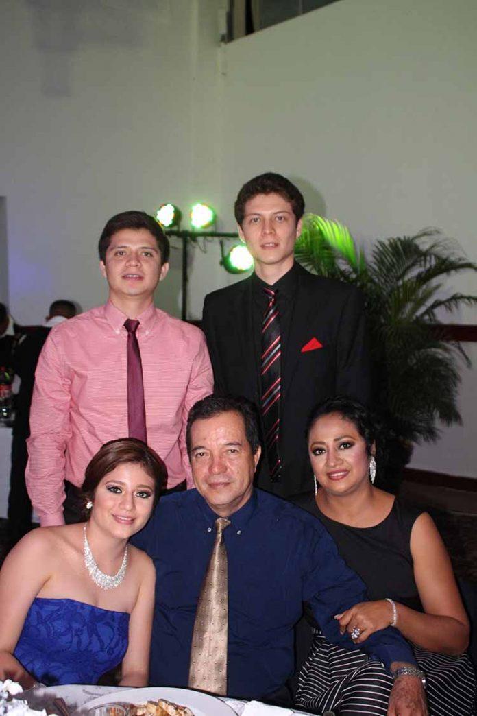 Familia Mérida Ventura.