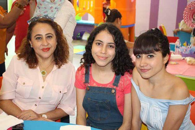 Katy, Paulina, Dalia Castillejos.
