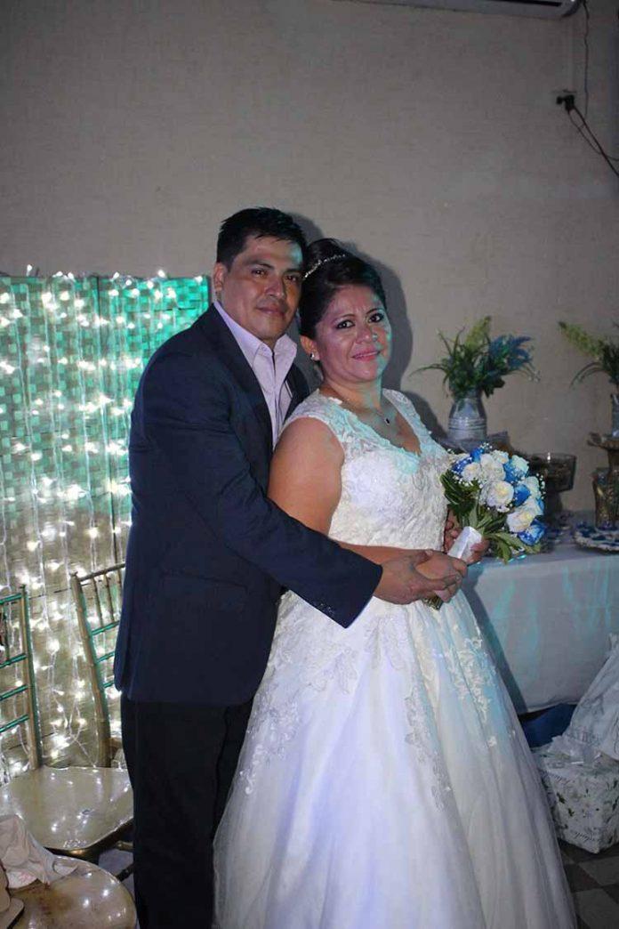 Daniel Flores & Alejandra Estrada.