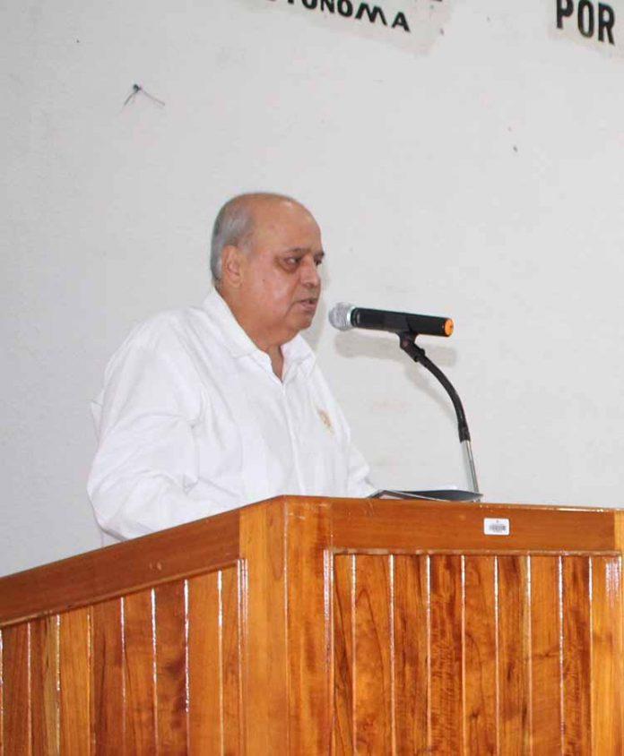 Carlos Eugenio Ruiz Hernández, Rector de la UNACH, en la declaratoria de apertura del ciclo escolar.