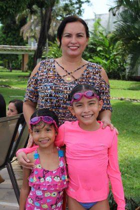 Marifer, Alejandra López, Claudia Vázquez.