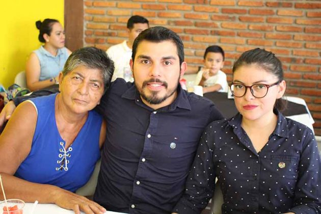 Obdulia López, Arturo Vidal, Gabriela Oliveros.