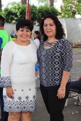 Patricia Rueda, directora del Centro de Seguridad Social Tapachula; Lourdes Matalí, administradora.
