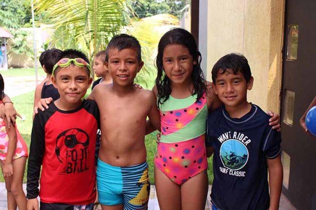 Jeshua Reyes, Bryan Pineda, Dafne González, Luis González.