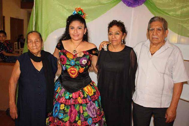 Eulalia Becerra, Fernanda Espinosa, Yolanda Citalán, José González.
