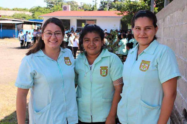 Frida Toledo, Edith Arroyo, Verania Villatoro.