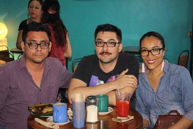 Mario Méndez, Erik García, Alexandra Trinidad.