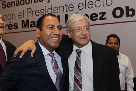 Se Reúnen Senadores de Morena, PES y PT con AMLO