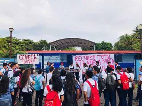 Alumnos de la ENLEF se Declaran en Paro Contra de la Reforma Educativa