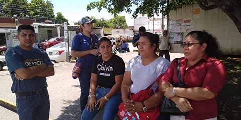 Trabajadores eventuales del ISSSTE se Manifestaron por Falta de Pagos