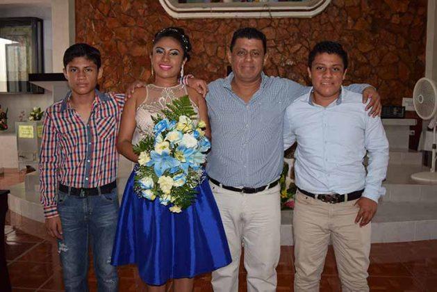 José Pablo, Karla, Carlos, Carlos de León.