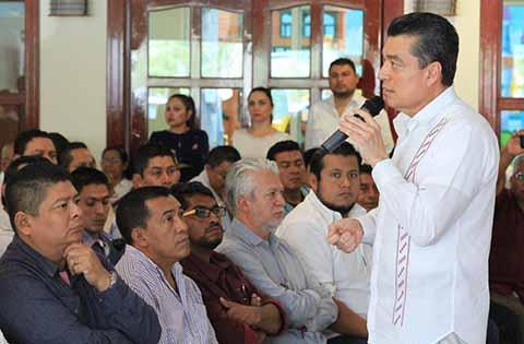 """""""En mi Gobierno Habrá Diálogo Permanente con los Maestros de Chiapas"""": Rutilio Escandón"""