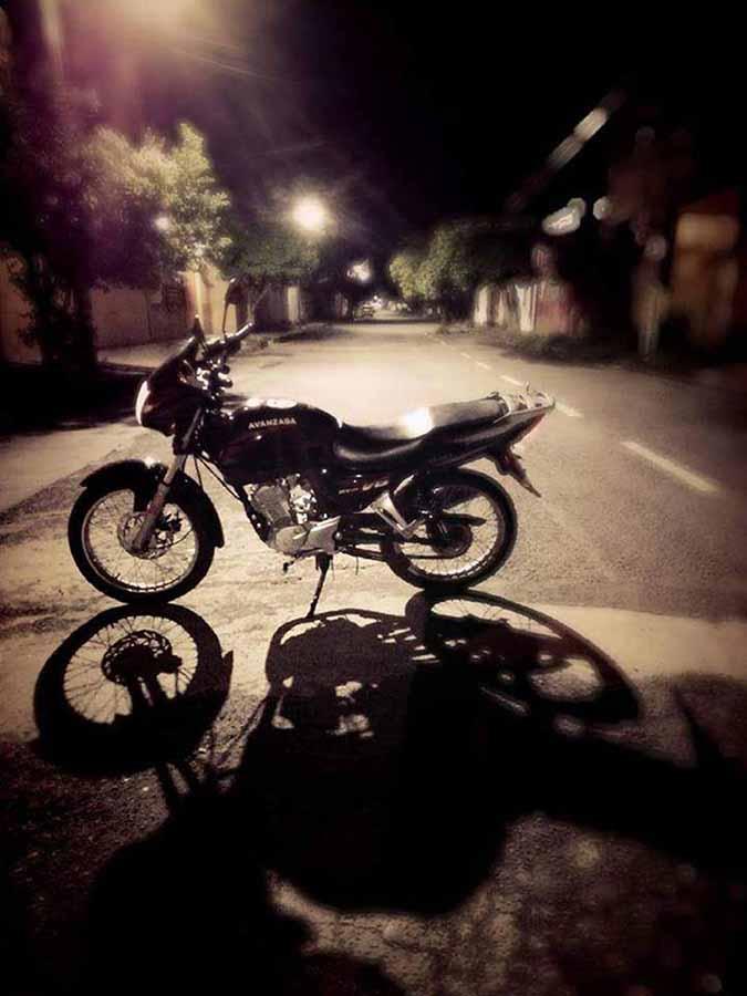 Roban Motocicleta que Estaba Dentro de un Garaje